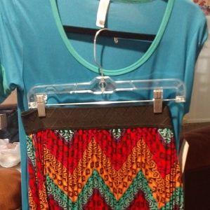 Lularoe shirt and skirt